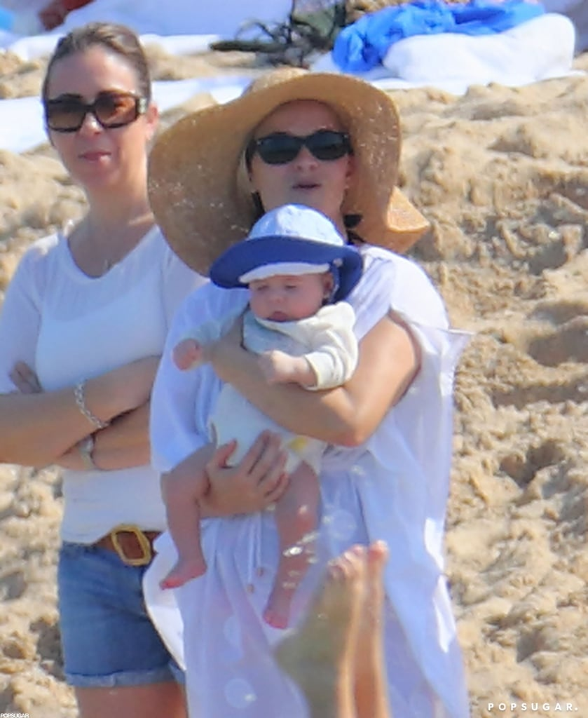 Reese Witherspoon held onto baby Tennessee.