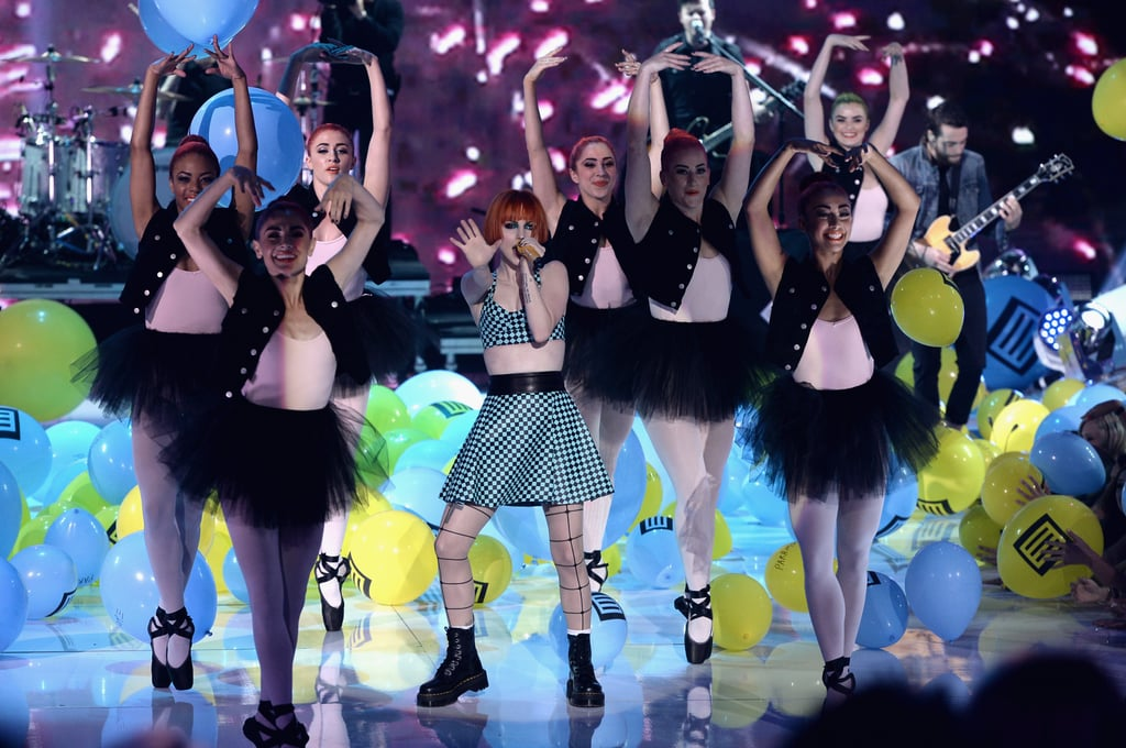Hayley Williams sang on stage at the Teen Choice Awards.