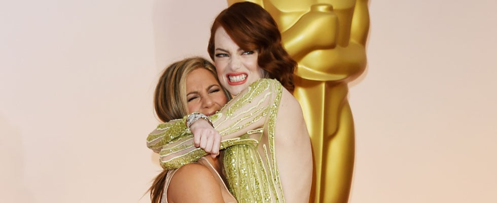 Emma Stone and Jennifer Aniston Won the Red Carpet With Their Cuddle