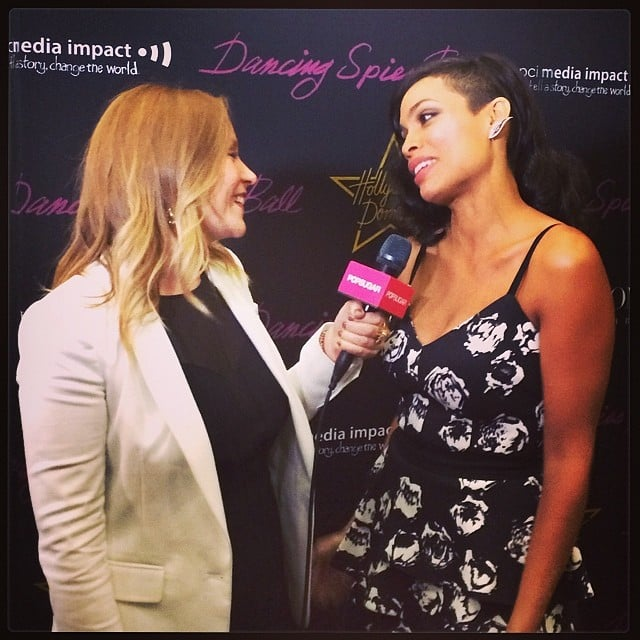 POPSUGAR Now's Becca Frucht caught up with Rosario Dawson, who was in town for the premiere of her film The Captive, on the red carpet.