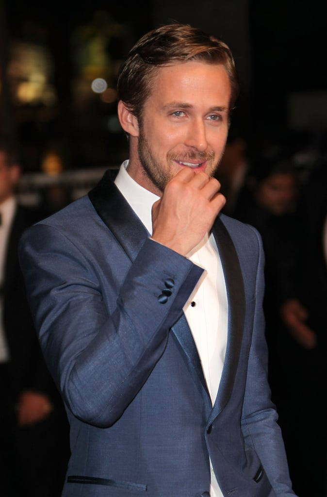 Ryan Gosling Looks Super Sexy in a Blue Tux on the Red Carpet