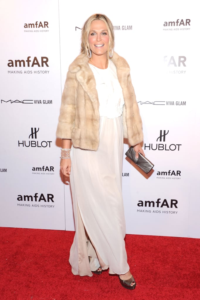 Pregnant Molly Sims attended the 2012 amfAR gala in NYC.