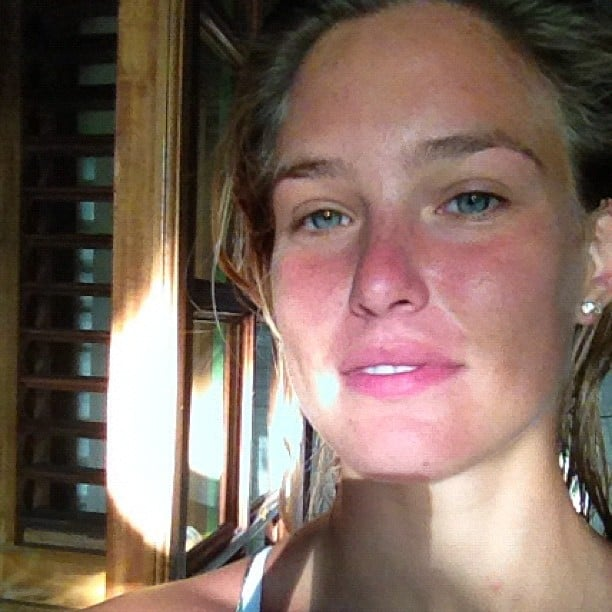 Bar Refaeli shared a fresh-faced morning photo. Source: Instagram user barrefaeli