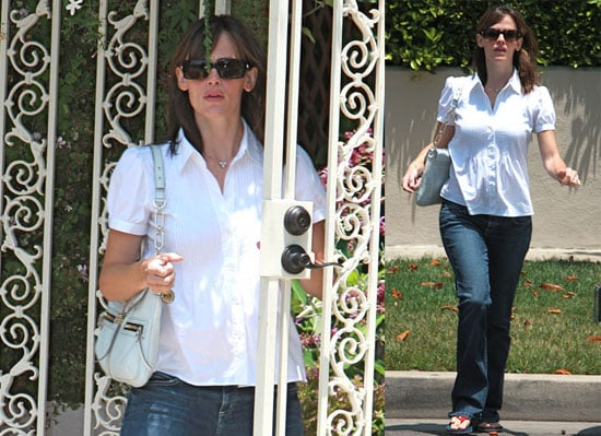 Photos of Possibly Pregnant Jennifer Garner Out in LA