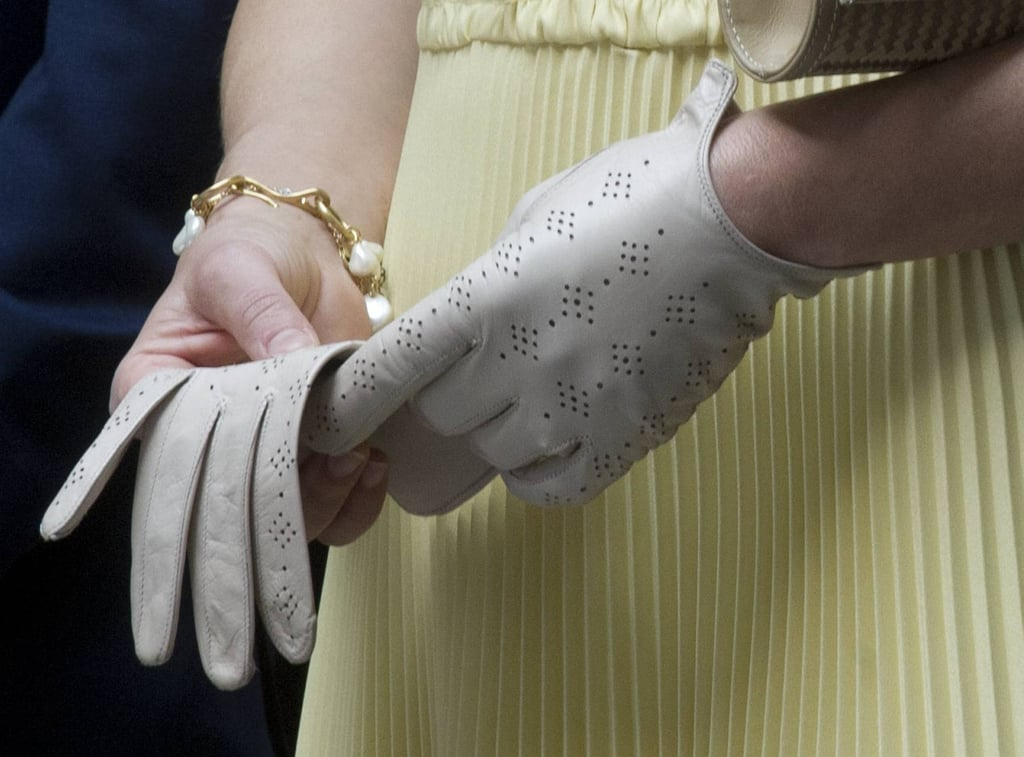 We just had to share a snap of her perforated leather gloves. So genteel.