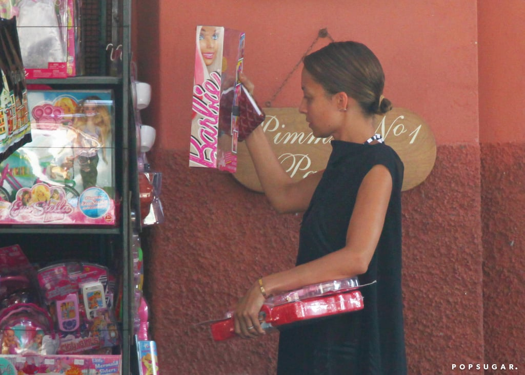 Nicole Richie shopped for toys.