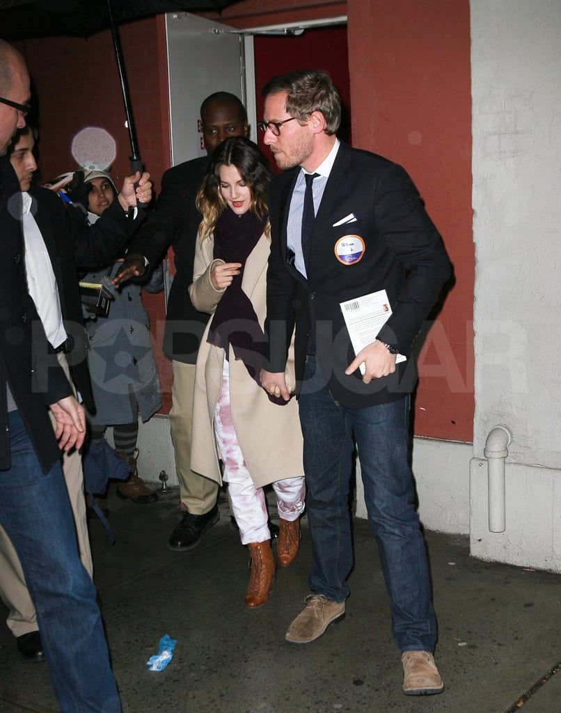 Drew Barrymore amd fiancé Will Kopelman did press rounds for her movie Big Miracle.
