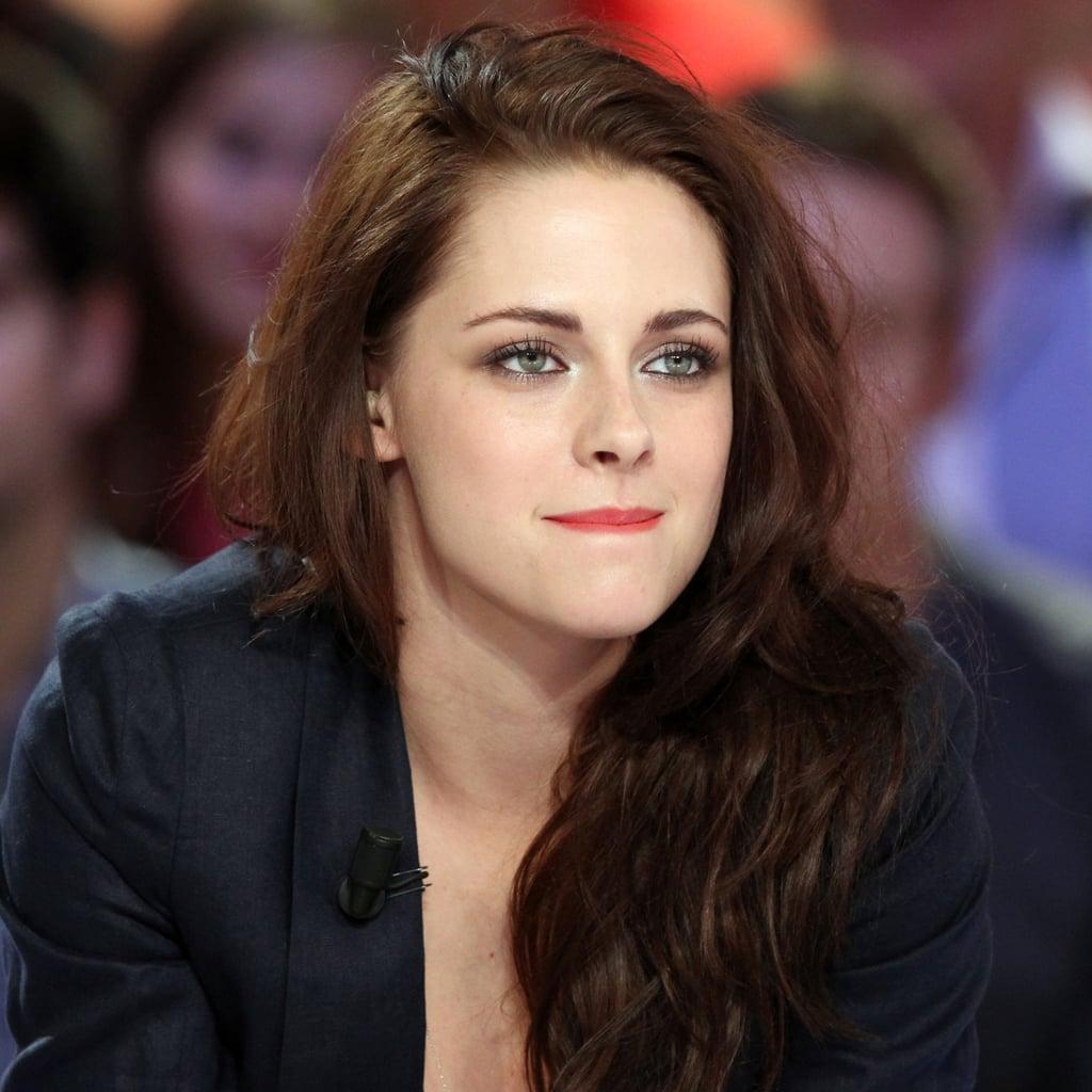 Kristen Stewart wore red lipstick.