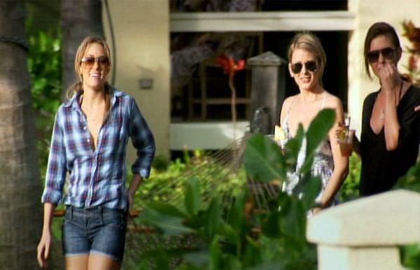 The Girls Crash Hawaii