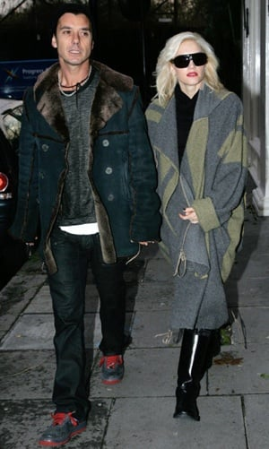 Photo of Gavin Rossdale and Gwen Stefani Wearing Oversize Shawl in London