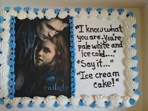 Yummy Links: From Twilight Cakes to Cool Whip Burgers