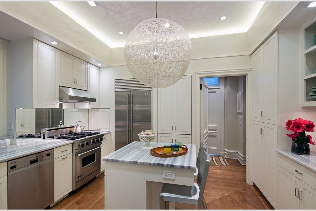 Barefoot Contessa Ina Garten Buys Nyc Home  Popsugar Home. Decorate My Living Room Christmas. Modern Kitchen And Living Room Colors. White Country Living Room Ideas. Modern Set Of Living Room Furniture Wall Tv Unit. Flower Centerpieces For Living Room Tables. Living Room Furniture Ideas 2015. Hotel With Living Room Las Vegas. Living Room Setup Ideas Pinterest