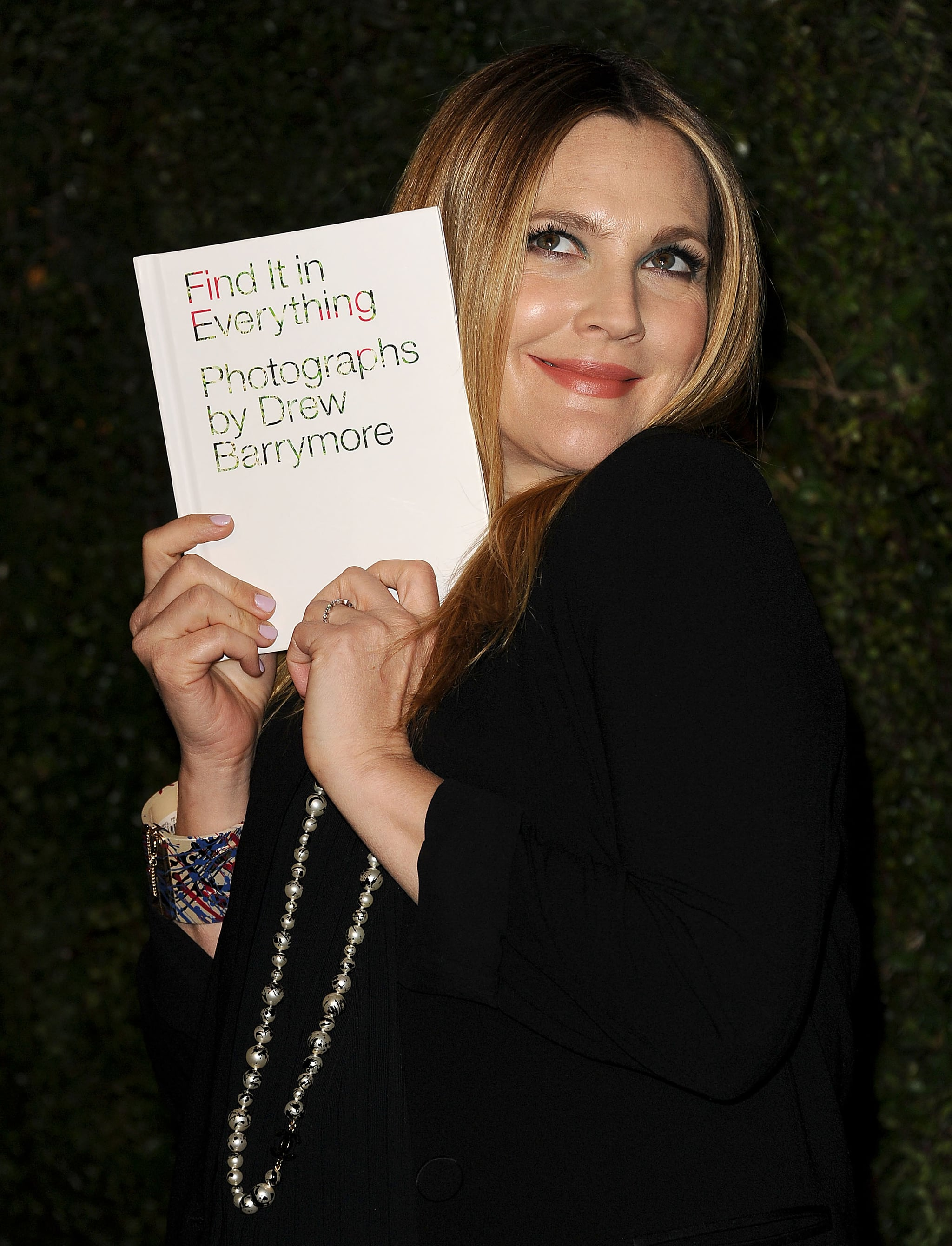 Drew knew how to show off her new book.