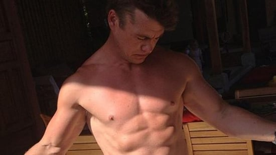 7 Reasons Luke Hemsworth Is Maybe the Chillest Hemsworth Brother