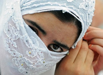 Grab Bag: How to Talk to Someone Wearing a Headscarf