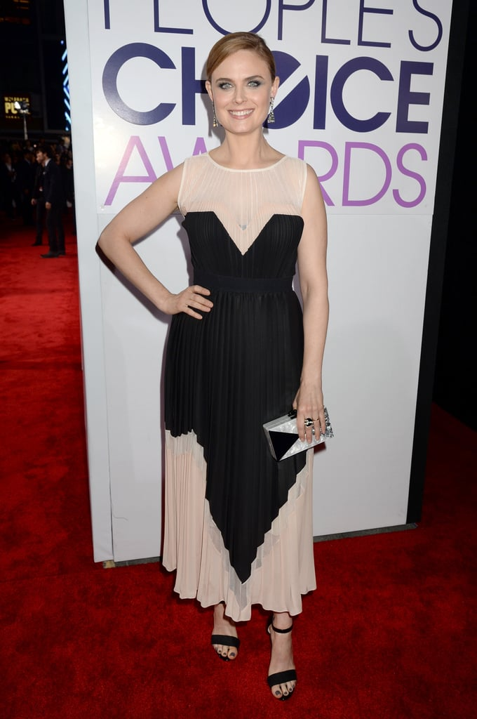 Emily Deschanel hit the red carpet for the People's Choice Awards.