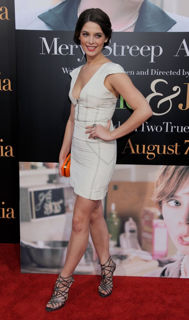 Ashley stepped out for the premiere of Julie & Julia in a white-hot Brian Reyes dress in 2009.