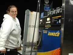 A Mom's Guide to Saving Money on Gas
