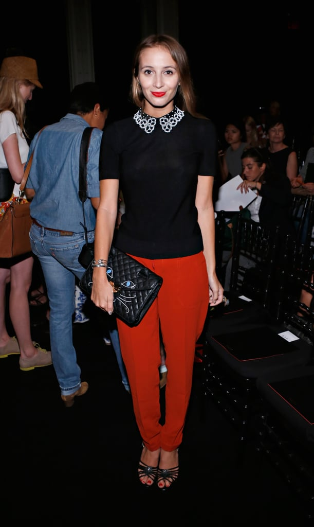 Harley Viera-Newton kept in theme with her collared dressing, this time by pairing a sweet blouse with slouchy red pants at the Jen Kao show.