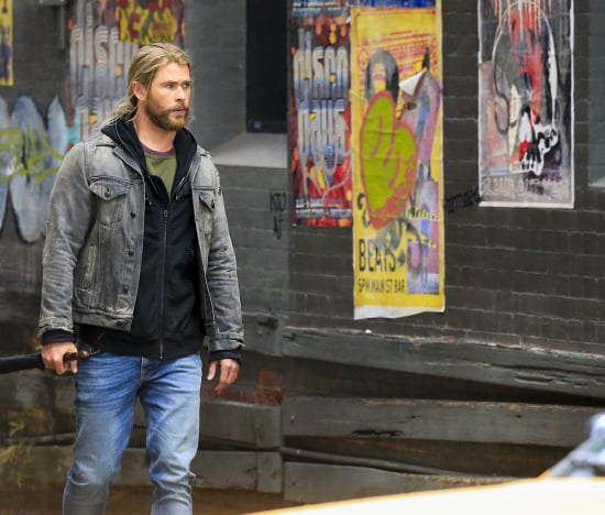 More photos of Tom Hiddleston and Chris Hemsworth on set of Thor: Ragnorak as they film with Anthony Hopkins and interact with f