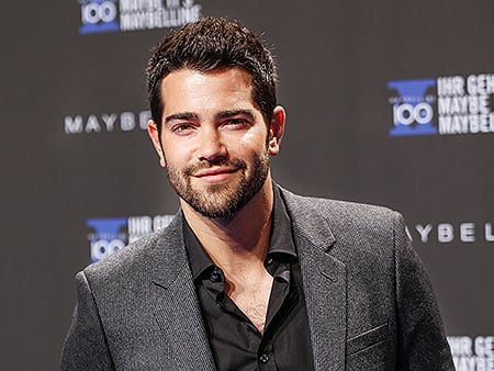 Yeehaw! Watch Jesse Metcalfe Perform 'Cowboy Rides Away'