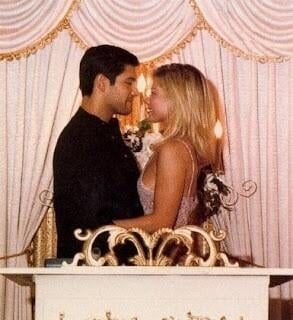 Kelly Ripa and Mark Consuelos ran away to Las Vegas for their May 1996 nuptials.  Source: Twitter user KellyRipa