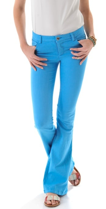 Alice + Olivia Stacey Belle Jeans With Knee Seams ($198)