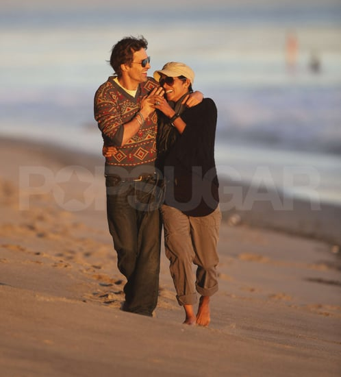 Pictures of Halle Berry and Olivier Martinez on a Walk on the Beach in Malibu