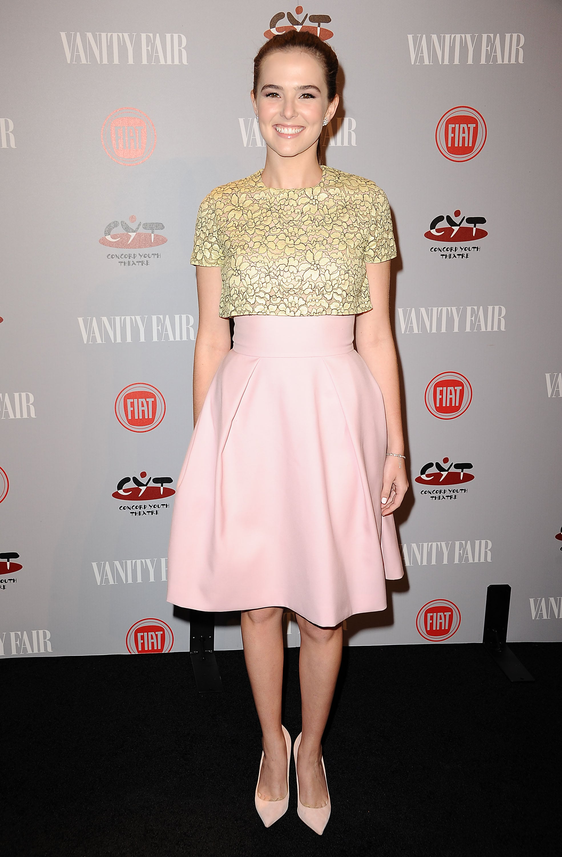 Vampire Academy star Zoey Deutch was pretty in pink.