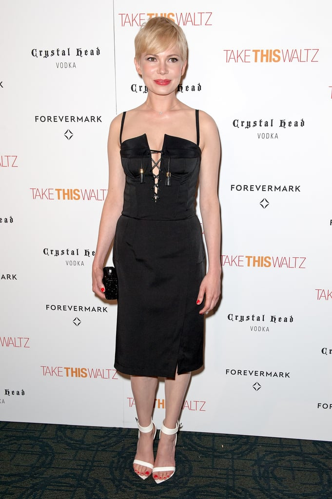 Michelle Williams posed at her premiere.