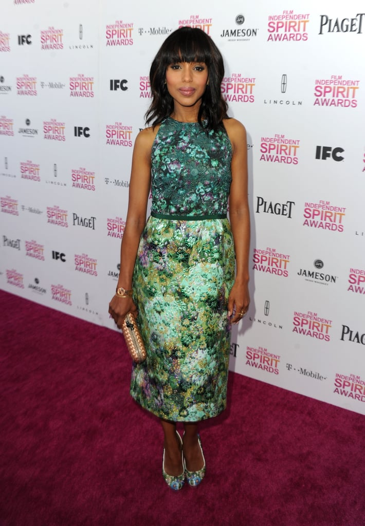 Kerry Washington was a vision in a sleeveless green floral-printed dress by Giambattista Valli Couture. The Scandal and Django Unchained actress is no stranger to bold prints and daring styling choices, which makes her textured clutch and matching printed pumps a gorgeous (if not expected) ensemble complement.
