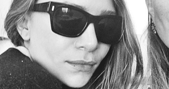 Mary-Kate And Ashley Olsen Just Blessed Us With Their 'First Public Selfie'