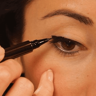 Sugar Shout Out: See How Easy It Is to Apply Liquid Liner With a Cat-Eye Effect