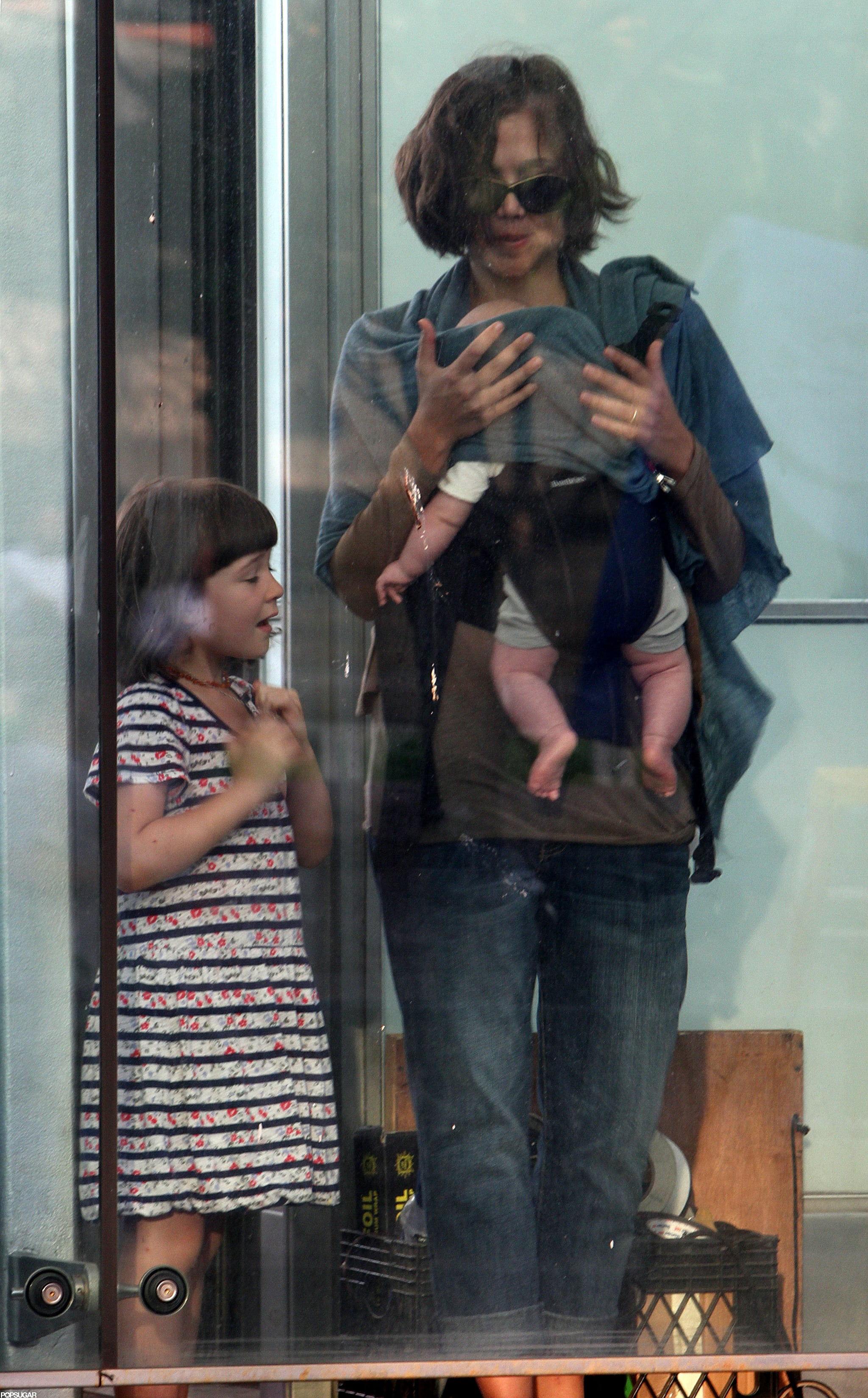 Maggie Gyllenhaal brought Ramona and Gloria to visit their dad, Peter Sarsgaard, on set in NYC.