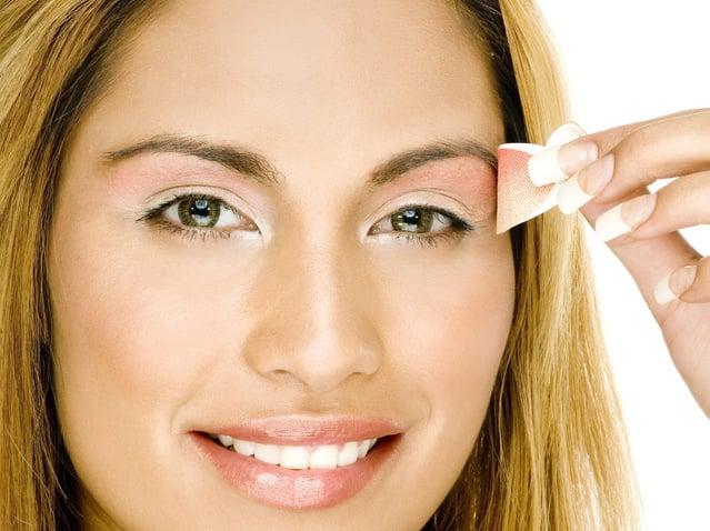 Bizarre Beauty: Press-On Eye Makeup