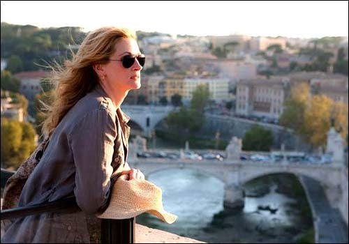 Julia Roberts plays Elizabeth Gilbert, who takes off on a 3 month adventure to find herself.