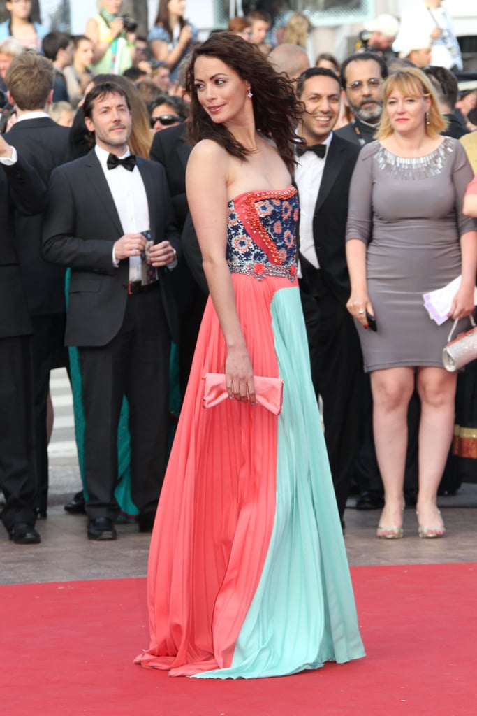 A side view of Bérénice Bejo's colorblocked Prada gown.