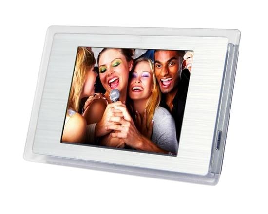 The Fridge-Friendly Digital Photo Frame
