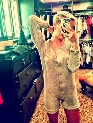 Miley Cyrus showed off a cute new onesie. Source: Twitter user MileyCyrus