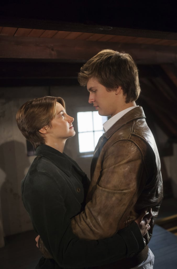 Hazel (Shailene Woodley) and Gus (Ansel Elgort), who both suffer from cancer, fall in love despite the odds.
