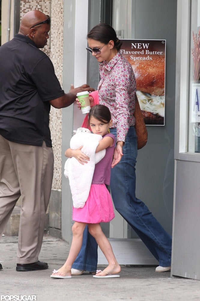Katie and Suri's Commercial Flying Experiment Doesn't Last Long