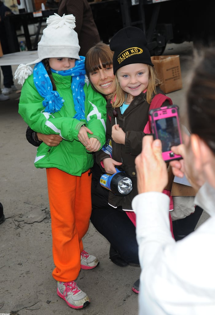 Jessica Biel posed with little fans.