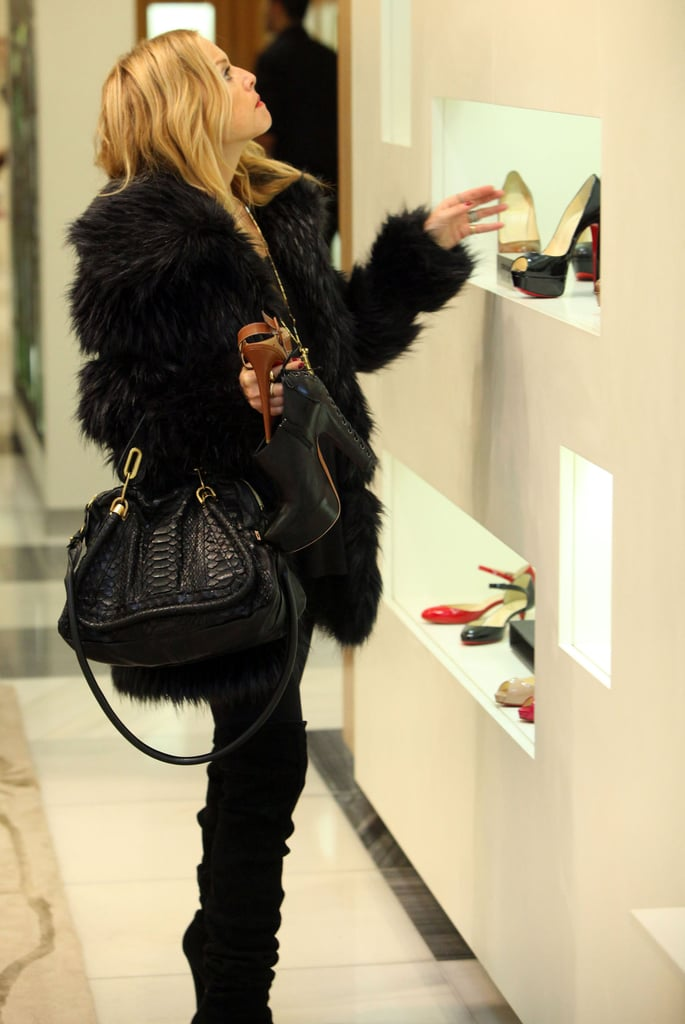 Rachel Zoe Takes a Break From Twilight vs. New Moon to Shop!