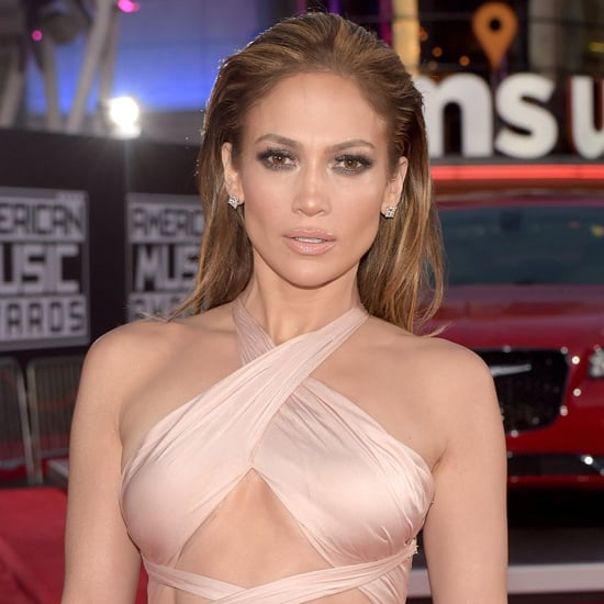 Celebrities on the American Music Awards Red Carpet 2014