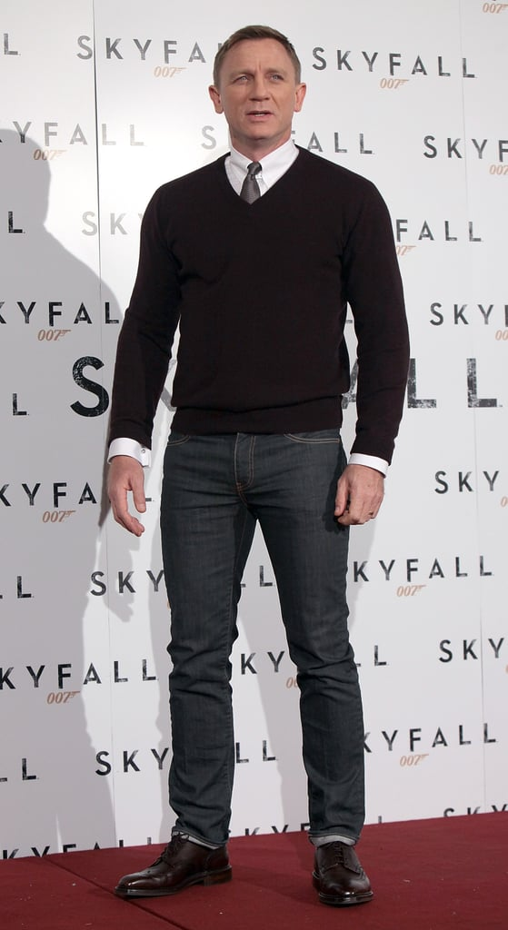 Daniel Craig wore a sweater and jeans to the photocall.