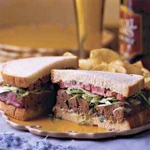 Monday's Leftovers: Basil-Tomato Meatloaf Sandwich
