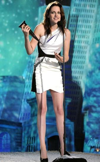 Pictures of Kristen Stewart, Nikki Reed, and Jackson Rathbone at 2010 Spike Scream Awards 2010-10-17 01:30:43