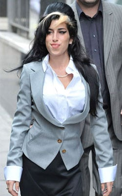 Roundup Of The Latest Entertainment News Stories — Amy Winehouse Wants Blake Fielder-Civil Back