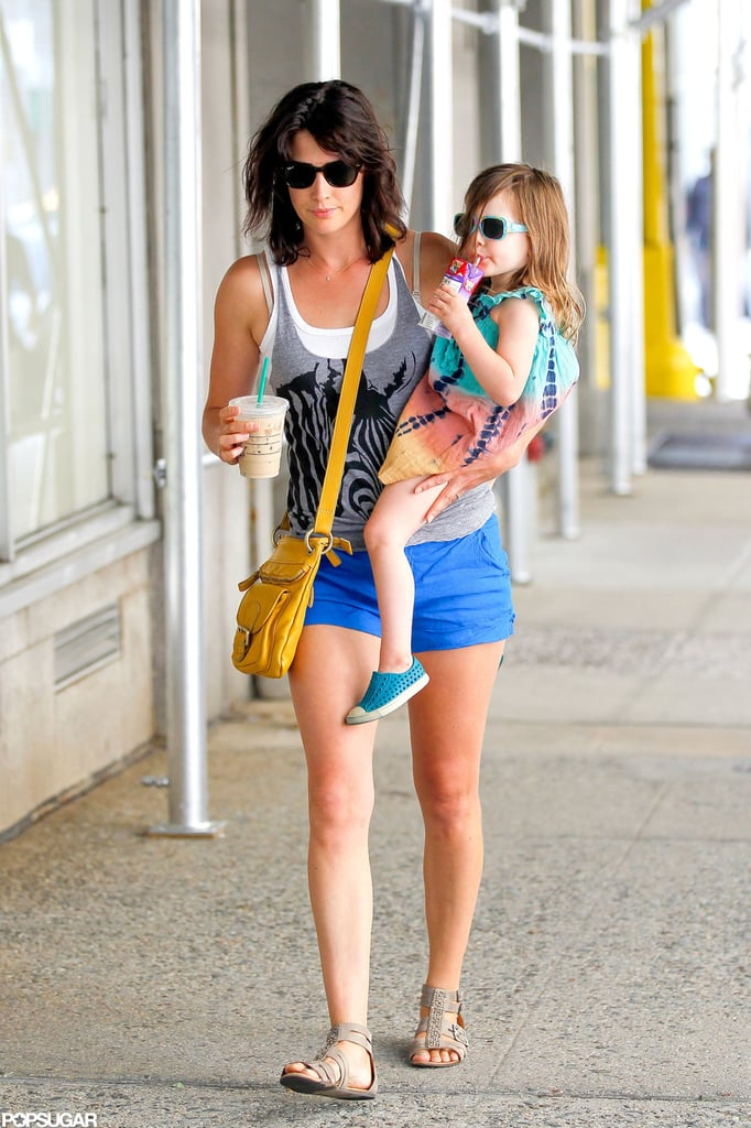 Cobie Smulders Hits NYC With Her Daughter