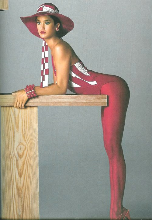 Nothing goes better together than a big hat, leotard, and matching tights.